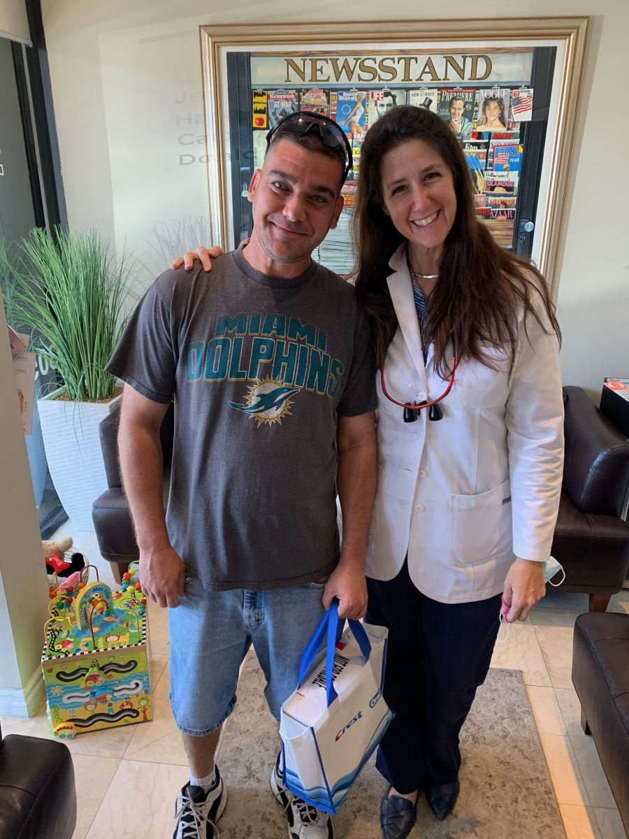 Congratulations to our March Raffle Winner at Aventura Dental Group. A few patients told us that in their opinion the dental office is one of the best when it comes to porcelain veneers in Aventura Florida and Miami. With over 13 years of experience and 60,000 patients seen, Dr. Jessica Cismas has to expertise to treat any dental proble.