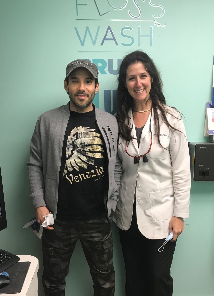 If you are looking to get a same day teeth cleaning appointment or if you are looking for one of the best dentists who take same day appointments you just found Aventura Dental Group and Dr. Jessica Cismas who will be more than happy to accomodate any same day teeth cleaning appointments.